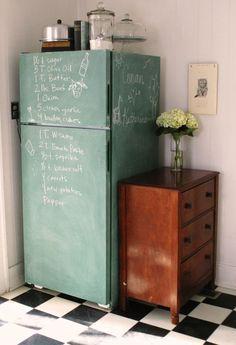 ennui - griffeltavelmålat kylskåp