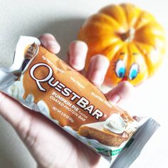 The perfect pair for Halloween. We love the pumpkin Quest Nutrition, Pie Flavors, Quest Bars, Protein Bars, Loose Weight, Make Me Happy, Chloe, Snack Recipes, Pumpkin