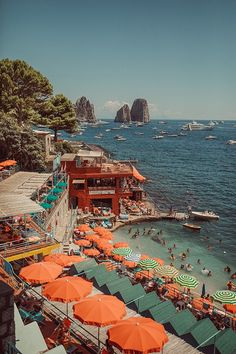 Travel dreams: A Day in Capri - Nice! The Places Youll Go, Places To See, Places To Travel, Travel Destinations, Travel Tips, Vacation Travel, Travel Ideas, Summer Vibe, Italian Summer