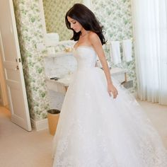 Wedding Ideas on TresSugar Photo 110    The shape of this dress is so, unbelievably, beautiful. I LOVE it.