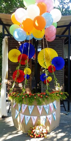 UP inspired hot air balloon photo booth decor
