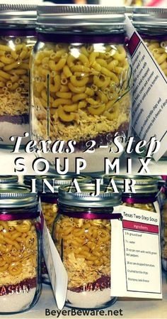 Put pasta and chips in separate bag in jar. This Texas soup mix in a jar recipe is easy to put together and will store for quick weeknight meals or be a perfect mason jar edible gift. Dry Soup Mix, Soup Mixes, Pot Mason, Mason Jar Diy, Canning Recipes, Soup Recipes, Cooker Recipes, Mason Jar Recipes, Ark Recipes