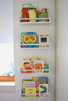 Libros en un Dormitorio de Niños