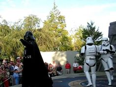 darth vader and stormtroopers dance to mc hammer's can't touch this at disneyworld