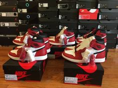 "Nike Air Jordan Retro 1 ""Chicago"" 
