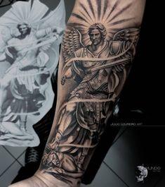 """🔸JÚLIO LOUREIRO ART🔸 en Instagram: """"São Miguel Arcanjo! By @julioloureiro_art repost!! Contato (11) 2257-3464 Av. Conselheiro Carrão, 1779 Vila Carrão - São Paulo #inked…"""" Religious Tattoo Sleeves, St Michael Tattoo, Angel Statues, Baby Tattoos, Archangel Michael, Realism Tattoo, Tattoo Life, Sleeve Tattoos, Detail"""