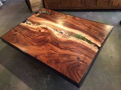 Sequoia monkey wood coffee table with stones