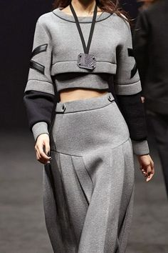 Cropped sweatshirt & long pleated skirt; sporty chic fashion details // Cres. E Dim FW14: