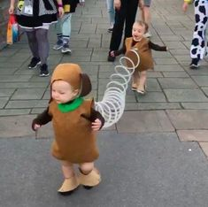 29 halloween costumes for kids girls!Whether you\'re looking for a Halloween costume for yourself your . a dozen Halloween parties to go to because I was swimming in great costume ideas. Cute Baby Halloween Costumes, Twin Costumes, Diy Halloween Costumes For Kids, Toddler Costumes, Cute Costumes, Twin Costume Ideas Baby, Costumes For Babies, Costumes For Sisters, Toy Story Costumes