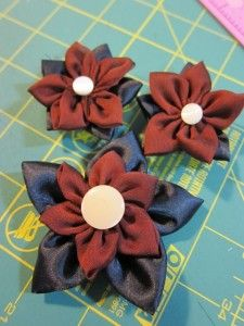 Craft Product Review: Clover Kanzashi Flower Makers: Pointed Petal by Craft Test Dummies