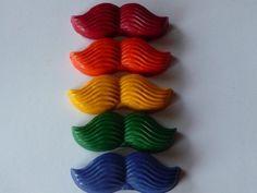 Bigodes coloridos