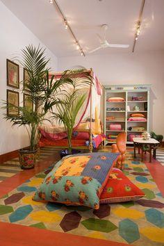Lisa Corti - La collezione ispirata all'India e al mondo orientale in vendita speciale all'Home Textile Emporium a Milano dal 5 al 14 febbraio 2015