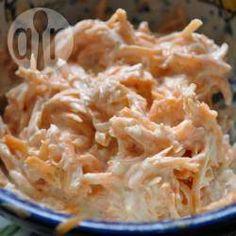 Surówka marchewkowa po armeńsku @ allrecipes.pl