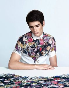 Brazil fashion: VISH. #floral. Guys I am beginning to develop a VERY unhealthy love for floral patterned shirts.