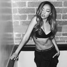 Tinashe.. love her style
