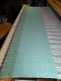 Threadbare Designs - a Weaver's Journey: Weaving Again!