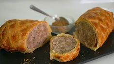 Like a poor man's beef wellington, but tastes delicious and looks fantastic. Cumberland Sausage, Types Of Pastry, Beef Wellington, Sausage Rolls, Sausage Recipes, Asian Recipes, Food Videos, Pork, Baking