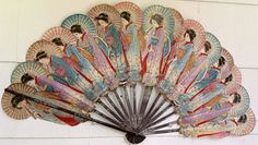 I love this vintage fan Antique Fans, Vintage Fans, Hand Held Fan, Hand Fans, Chinese Fans, Chinese Style, Oriental, Art Japonais, Japanese Culture