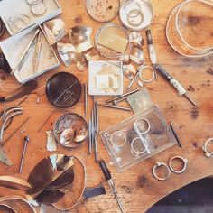 She means business! 💎🔨💍 Always lots to keep me busy and my bench messy! #dowhatyoulovelovewhatyoudo #entreprenuer #bossbabe #goldsmithing #artiststudio #handmadewedding #supportlocal #ethicallymade