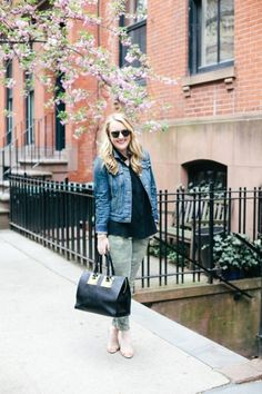 Blogger Wit & Whimsy wears Gap camo jeans for a spring stroll around the city.