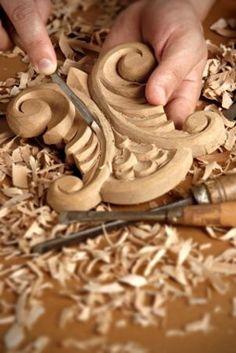 Talla en madera. Wood carving.