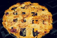 Easy blueberry and peach pie