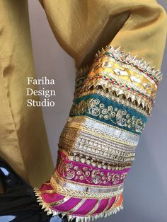 Fashion designer kaam with just gota and bails Kurti Sleeves Design, Sleeves Designs For Dresses, Kurti Neck Designs, Dress Neck Designs, Saree Blouse Designs, Shadi Dresses, Pakistani Formal Dresses, Pakistani Wedding Outfits, Pakistani Dress Design