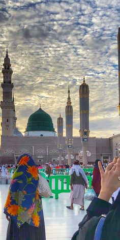 Green Dome, Mecca Wallpaper, Noble Quran, Poetry Lines, Madina, New York Skyline, Times Square, Muhammad, Islamic