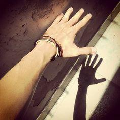 Burn into Shadow  #somethingcolorfultoday #brown #wood #beads #bracelet #kamil_accessories #kamil #delucadecor