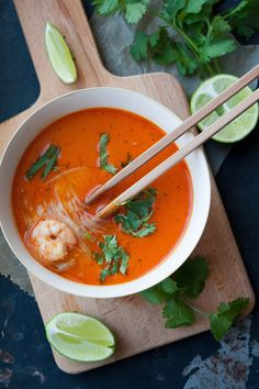 20-Minute Thai Shrimp Soup - kochkarussell.com