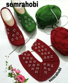 Görüntünün olası içeriği: ayakkabılar Knitting TechniquesCrochet For BeginnersCrochet ProjectsCrochet Ideas Knitting Patterns Free, Free Knitting, Baby Knitting, Crochet Patterns, Crochet Bolero Pattern, Crochet Ripple, Free Crochet, Knitted Booties, Knitted Slippers