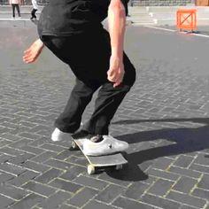 That form is amazing Ski, Skate And Destroy, Skate Gif, Skater Boys, Skateboard Design, Skate Decks, Longboarding, Parkour, Skateboards
