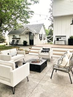 modern farmhouse patio modern farmhouse patio – Homey Oh My Outdoor Spaces, Outdoor Living, Modern Outdoor Decor, Outdoor Seating, Patio Design, House Design, Modern Farmhouse Porch, Farmhouse Outdoor Decor, Farmhouse Style