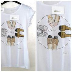 T-shirt dipinta a mano MANUME  Handmade t-shirt MANUME