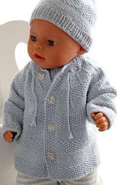Baby Clothing Knitting baby born clothes - Knitting a wonderful baby doll set # baby dolls Baby Clothing Source : Baby born kleidung stricken - Stricken Sie ein wundervolles Babypuppen-Set Knitting Dolls Clothes, Knitted Baby Clothes, Knitted Dolls, Doll Clothes, Baby Knitting Patterns, Baby Patterns, Crochet Patterns, Baby Doll Set, Baby Set