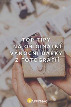 Partnerovi, kamarádce nebo třeba rodičům darujte osobní dárky z fotografií, které potěší a dojmou zároveň! Podívejte se, z čeho vybírat. #vanocnidarky #vanocnidarkyzfotek #vanoce