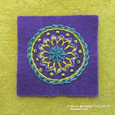 Tutorial to make an Embroidered Mandala Learn Embroidery, Hand Embroidery Designs, Embroidery Applique, Embroidery Stitches, Indian Embroidery, Wool Applique, Applique Patterns, Stitch Patterns, Penny Rugs