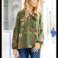 Weve added a bunch of new releases to our site like our Some Kind of LOVE Floral Top. Heart Eyes for daysssss!..#LeBoutiqueShop #picoftheday #wiw #love #ootd #lifestyleblogger #fashionblogger #moda #instastyle #shopping #wiwt #instafashion #fashion #photooftheday #floral #fashionblogger #olive #blessed #igfashion #musthave #outfitofthedayideas #whatiwore #texas #photography #holiday #lifestyle #thehappynow #inspiring #estilo #fallfashion