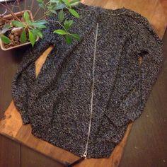 Vintage Havana Zip Back Sweater Perfect condition with fun two-way zipper on back. Vintage Havana Sweaters Crew & Scoop Necks
