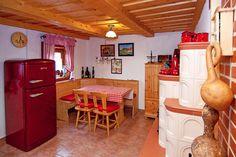 Mézeskalácsházikók egy zalai szőlőhegyen - Szallas.hu Blog Romantic Places, Hungary, Modern, Blog, Furniture, Home Decor, Travel, Trendy Tree, Decoration Home