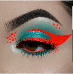 "History of eye makeup ""Eye care"", in other words, ""eye make-up"" is definitely a subject Eye Makeup Art, Eye Art, Cute Makeup, Pretty Makeup, Eyeshadow Makeup, Eyeliner, Fairy Makeup, Mermaid Makeup, Crazy Makeup"