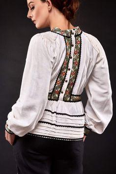 Mexican Fashion, Folk Fashion, Ethnic Fashion, Womens Fashion, Stylish Dresses, Simple Dresses, Fashion Dresses, Boho Outfits, Pretty Outfits