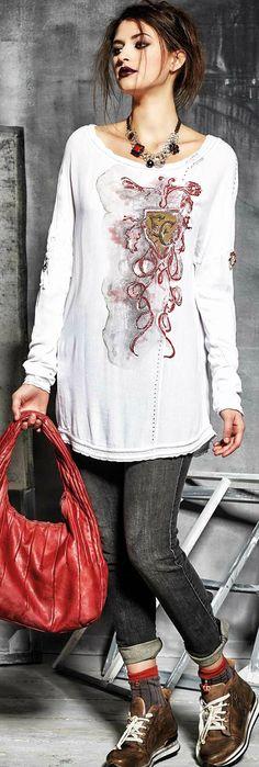 Elisa Cavaletti. Daniela Dallavalle. Bag. Vintage lace. Cтиль Этно / Бохо / Шебби Шик. Романтический. Мода. Браслеты. Шарфы. Ремни. Джинсы. Расшитые бисером туники. Кардиганы. Платья. Юбки. Топы. Лен. Шифон. Style of Ethnic / Boho / Shabby Chic. Romantic. Fashion. Bracelets. Scarves. Belts. Jeans. Tunics. Bead Embroidery. Lace. Cardigans. Dresses. Tops. Skirts. Jacket. Linen. Chiffon. Styl Ethnic / Boho / Shabby chic. Romantický. Móda. Náramky. Opásky. Džíny. Tuniky. Vyšívání koralky…