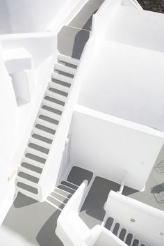 Mediterranean Architecture, Mediterranean Design, Minimalist Architecture, Architecture Details, Greek House, Take The Stairs, Sands, Wonderful Places, Santorini