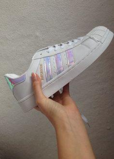 Kup mój przedmiot na #vintedpl http://www.vinted.pl/damskie-obuwie/inne-sporty/20527511-adidas-superstary-holograficzne-nowe-holo
