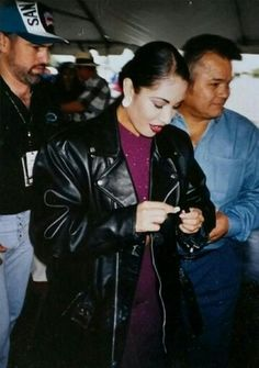 Selena before her performance in the San Antonio Alamodome for students