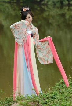 Ancient Chinese Beauty Clothing for Women Hanfu, Cheongsam, Traditional Fashion, Traditional Dresses, Traditional Chinese, Oriental Fashion, Asian Fashion, Yukata, Chinese Kimono