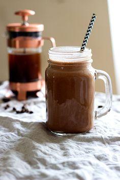Quick Morning Mocha Smoothie (Dairy Free + Vegan) - Sprinkle of Green