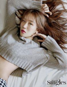 Sistar Soyu, Sistar Kpop, Jeon Somi, Jessica Jung, Starship Entertainment, Nayeon, Style Icons, Curvy, Winter Hats