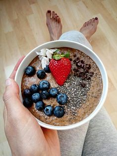 Chia chocolate overnight pudding Simply & Healthy